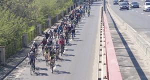Antrenamentul de șosea pentru Prima Evadare sau Prima ieșire de după Paște Snagov și Mănăstirea Căldărușani nordul Bucureștiului ciclisti Tour de Snagov
