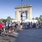 participantii de la cel mai mare antrenament (prima plimbare dupa pasti) pentru concursul Prima Evadare la Arcul de Triumf